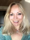 Charlotte Nefer, Frederikssund - Clairvoyance, Psykoterapi, Spirituel psykoterapi, Stressterapi, Afdødekontakt, Samtaleterapi, Coaching, Personlig Udvikling, Parterapi, Grounding, Kanalisering, Meditation, Drømmetydning